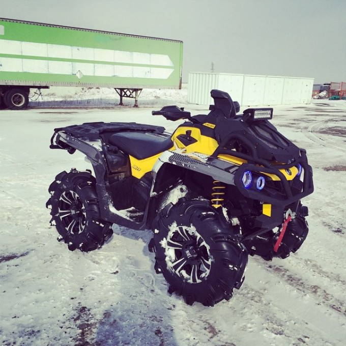 Ready for tomorrow's #snow #rip 2015 #canam #outlander #xmr #800r #amrracing #tigertail #angeleyes #rigidindustries #gorillaaxle #SwampDonkeys Off Road Club: @webez9 @tomdrich @chriscross4653 @timmerlegrand @smithjaret