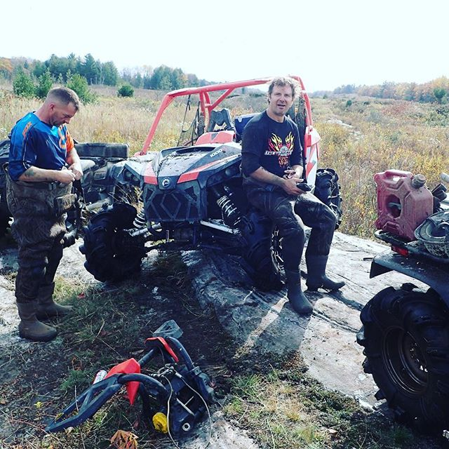 #trailsidemod on the #canammaverickxmr - #bumperfail #winch #broken #swampdonkeys