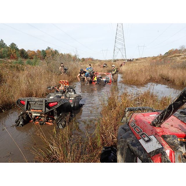 @Martin_G_Ace #MaverickXMR #stuck #planted - only took 5 machines to pull him out #swampdonkeys #rzr900 #sportsman1000